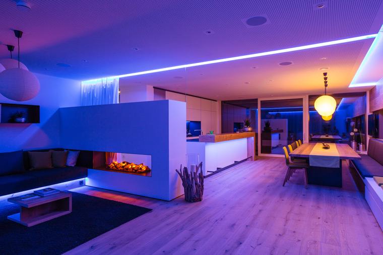 Lichtspiele im Wohnbereich mit Elektro Wislsperger