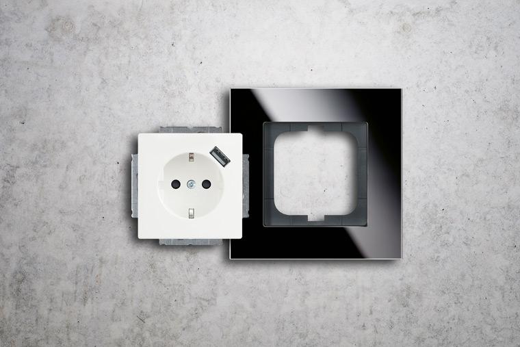 Installation von Steckdosen von Elektro Wislsperger
